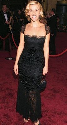 Reese Witherspoon in Valentino (Oscars 2002)