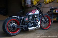 Custom Harley-Davidson Street Bob - Voodoo Bob gallery including pictures, technical specifications and press features.