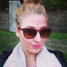 Selfie-Time #glasses #leo #messybun #bun #ootd #me #elisazunder #snapshot #selfie #zunder #blog
