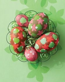Leaf and Flower Easter Eggs | Step-by-Step | DIY Craft How To's and Instructions| Martha Stewart