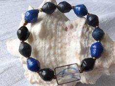 Armbänder - Stahlblau bis schwarz Afrikaperlen Armband UNIKAT - ein Designerstück von SchmuckeFarbenKunst bei DaWanda