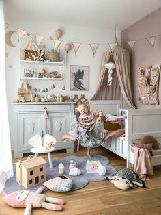 Filippa's Scandinavian Bedroom full of Vintage Finds Girl Nursery, Girls Bedroom, Bedroom Decor, Kids Bedroom Princess, Girl Rooms, Kids Bedroom Designs, Baby Room Design, Nursery Design, Vintage Interior Design
