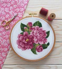 Günaydın Прекрасной недели, друзья! Мои пионы почти готовы, осталось совсем чуть-чуть . .~~~~~~~~~~~~~~~~~~~~~~~~~ .мой отчёт в #сп_just_крестики с Алиной @alinakoksal >>>>>>>>>>>> #mariayaris #pembe #pink #flowers #broderie #puntodecruz #kasnak #kasnakpano #kanaviçe #elişi #nakış #carpiisi #crossstitch #crossstitcher #xstitch #crossstitchland #magic_stitches #embroidery #etaminişi #embroideryblog #vyshivayu #вышивка #вышивкакрестом #вышивкакрестиком #handmade #handmadebyme #vintage