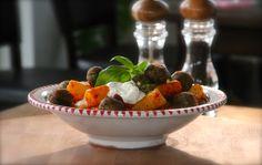 Rigatoni al Vesuvio Rigatoni, Catering, Strawberry, Fruit, Tableware, Food, Home, Dinnerware, Meal