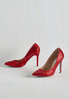 I'll Get You, My Pretty Heel From the Plus Size Fashion Community at www.VintageandCurvy.com
