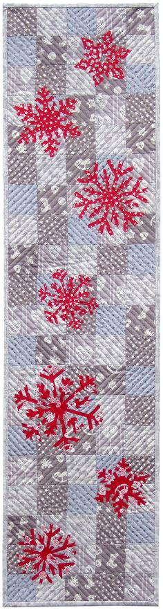 The Scandi Snowflake Table Runner uses our Scandi Christmas collection by Makower UK. Click on the picture to download the pattern.