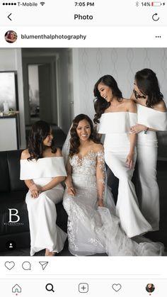 Love this romantic lace wedding dress!!!
