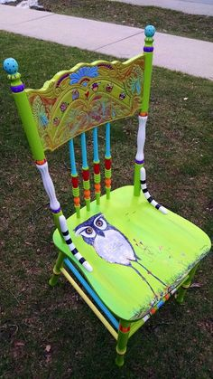 Carolyn's Funky Furniture: The Painted Chairs Art Furniture, Funky Furniture, Refurbished Furniture, Colorful Furniture, Upcycled Furniture, Furniture Projects, Furniture Makeover, Garden Furniture, Furniture Stores