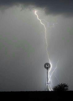 Temporais Fascinantes #tempestade #thunderstorm #trovoada #Lightningstorms