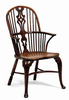 I made my last Windsor chair primarily because I admired that particular regional style, but also because it didn't comprise any steam-bent components. At the time I made the comb-back chair … Old Chairs, Antique Chairs, Antique Furniture, Dining Chairs, Reproduction Furniture, Country Dining Rooms, Country Furniture, Country Decor, Black Kitchen Chairs