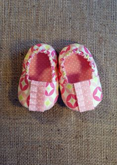 Natte Baby Shoes  PDF Pattern  Newborn to 18 by littleshoespattern, $4.50