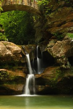 Upper Falls near Old Man's Cave in Hocking Hills State Park, Ohio