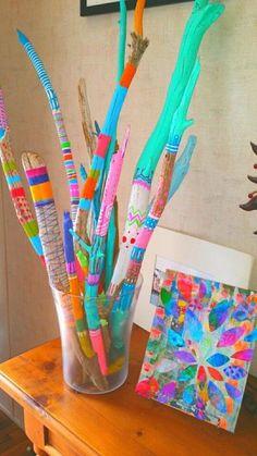 12 Driftwood DIY Ideas – Diys and Hacks art diy art easy art ideas art painted art projects Diy And Crafts, Craft Projects, Crafts For Kids, Arts And Crafts, Craft Ideas, Yard Art Crafts, Garden Crafts, Painted Driftwood, Driftwood Art