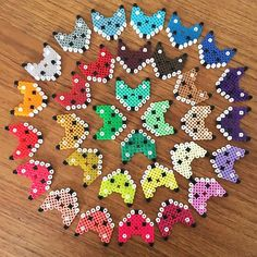 Foxes hama beads by leantropisk Easy Perler Bead Patterns, Melty Bead Patterns, Diy Perler Beads, Pearler Beads, Fuse Beads, Beading Patterns, Hama Beads Animals, Beaded Animals, Plastic Bead Crafts