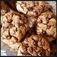 Biscotti Cookies senza burro RICETTA DI: LOREDANA SCORDINO Ingredienti: 250 g di farina 00 100 g di zucchero di canna 100 g di zucchero semolato