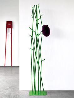 Latva coat rack by Covo - Latva is an original coat rack based on a simple yet visually solid motif of a tree branch. Designed for Covo by the Finnish designer, Mikko Filigranes Design, Stand Design, Design Ideas, Hanger Rack, Coat Hanger, Coat Racks, Hangers, Amazing Gardens, Beautiful Gardens