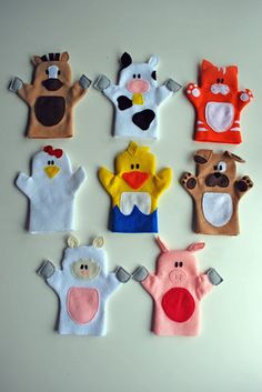 Old MacDonald puppet tutorial. Adorable hand puppets made from felt. Patterns for all animals shown, plus Old McDonald himself. - would be cool to shrink down and do as finger puppets! Felt Puppets, Felt Finger Puppets, Animal Hand Puppets, Kids Crafts, Felt Crafts, Puppet Crafts, Family Crafts, Fabric Crafts, Sewing Toys