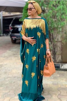 African Maxi Dresses, Latest African Fashion Dresses, African Dresses For Women, African Print Fashion, Shift Dress Outfit, Dress Outfits, Kaftan Designs, Lace Gown Styles, African Blouses
