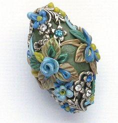 Perlen Artisan Flower Basket Blue Roses Applique