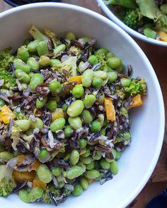 8. Wild Rice and Broccoli Salad With Edamame #vegan #postworkout #recipes http://greatist.com/eat/vegan-post-workout-meals