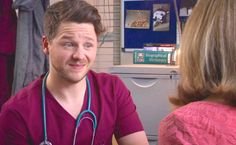 Holby City (17/38) Dominic gets a visit from his mum