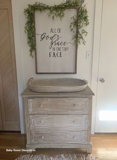 Changing Table with Integrated Bathtub Fabric//Wood White