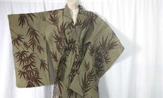 TRADITIONAL Authentic KIMONO - Japanese Import - Womens Top One size | FREE P&P