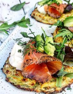 Vi vil have laks - straks! Fish Recipes, Appetizer Recipes, Great Recipes, Favorite Recipes, Yummy Eats, Yummy Food, Tapas, Evening Snacks, Slow Food