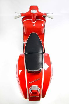 The Scooterist: A 1965 vespa SS180