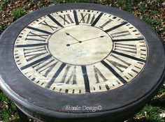 a little bit o' Shizzle: Hand Painted Clock Table Transformation at Knick of Time Hand Painted Furniture, Unique Furniture, Furniture Projects, Furniture Makeover, Diy Furniture, Refinished Furniture, Diy Projects, Martha Stewart Stencils, Clock Painting