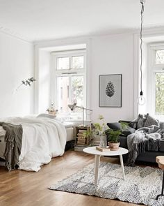 Studio Apartment Decoration & Design Ideas with The Advantages - cool studio apartment with scandinavian style ideas on a budget Apartment Interior, College Apartment Decor, Apartment Bedroom Decor, Apartment Inspiration, First Apartment Decorating, Apartment Design, Apartment Living Room, Bedroom Design, Studio Apartment Decorating