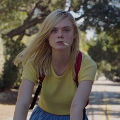 Still of Elle Fanning in 20th Century Women.