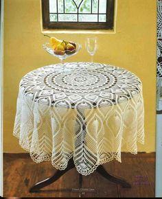PATRONES GRATIS DE CROCHET: Patrón de un precioso mantel clásico redondo a crochet