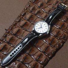Vintage Leather Watch BandCustom Handmade Apple i-Watch image 3 Vintage Leather, Handmade Leather, Cute Handbags, Leather Watch Bands, Leather Belts, Bracelet Watch, Watches, Watch Image, Dark Brown
