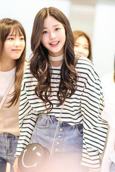 Pink Fashion, Daily Fashion, Fashion Outfits, Korean Girl, Asian Girl, Cute Girls, Cool Girl, Japanese Girl Group, Ulzzang Girl