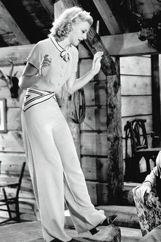 film still photo movie star Ginger Rogers. love love love the outfit :) Tap dance fashion outfit day wear pants pant suit wide leg Moda Vintage, Vintage Mode, Retro Vintage, Golden Age Of Hollywood, Vintage Hollywood, Hollywood Glamour, Vintage Outfits, Vintage Pants, 1930s Fashion