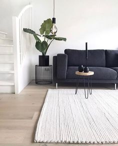 Do you sway on the side of dark or light sofas? 👀 A great example here of how you can implement a dark sofa with other dark frame details💡… Dark Sofa Living Room, Design Living Room, Home Living Room, Living Room Decor, Dark Couch, Black Sofa, Living Furniture, Living Room Inspiration, Home Interior Design