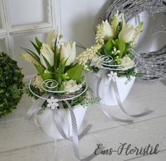 Wedding Reception Centerpieces, Diy Centerpieces, Table Decorations, Easter Flowers, Diy Flowers, Willow Wreath, Easter Wreaths, Flower Boxes, Easter Crafts