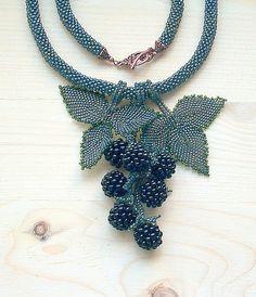 """Купить Колье """"Ягоды с ежевикой"""" - ежевика, черный, ягода, лес, лето, зеленый, подвеска, природа"""