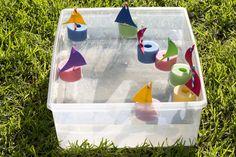 Pasa horas de diversión con estos sencillos barquitos, los puedes hacer con ayuda de tus hijos es una divertida manera de pasar una tarde con ellos.