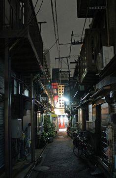 夜散歩のススメ「月島路地」東京都中央区
