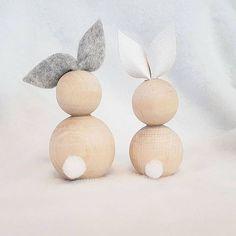 Avec des perles de bois