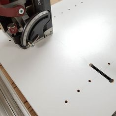 Slot cutting in melamine with the Zeta for Clamex fittings. I think these Clamex fittings are quicker and look cleaner than rafix system connectors for knock down (KD) furniture. Slot, Zip Around Wallet, Project Projects, Organization Ideas, Layout, Tools, Furniture, Instagram, Instruments