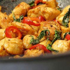 """@flavorgod Chicken Stir Fry with Sweet Basil ingredients 1lb -chicken breast,large dice 1 handful- sweet basil leaves 1 tbs- freshly chopped…"""