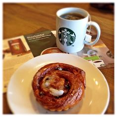 Enjoying My Spearmint Green Tea & Cinnamon Rolls @Starbuck Cinere Bellevue ❤️