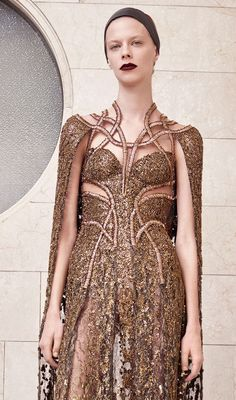 ATELIER VERSACE Fall 2017 Haute Couture Look #12 gold sequin embellishment details