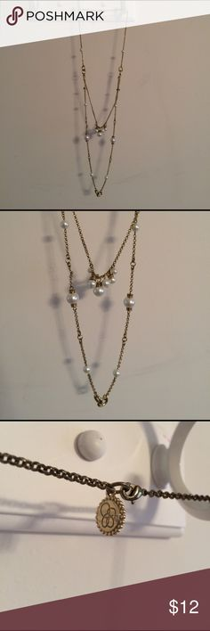 Jessica Simpson necklace Faux pearl necklace. Adds a bit of class to an outfit. Dresses up a plain black shirt or dress! Jessica Simpson Jewelry Necklaces
