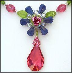 Kronleuchterjuwelen Glasperlenschmuck - Roeschenkette (Detailfoto)