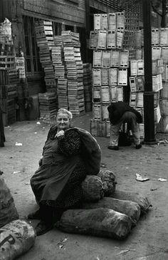 Henri Cartier-Bresson - Les Halles, Paris, 1952.