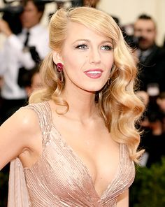 Blake Lively wore her hair in retro waves for the 2014 Met Gala